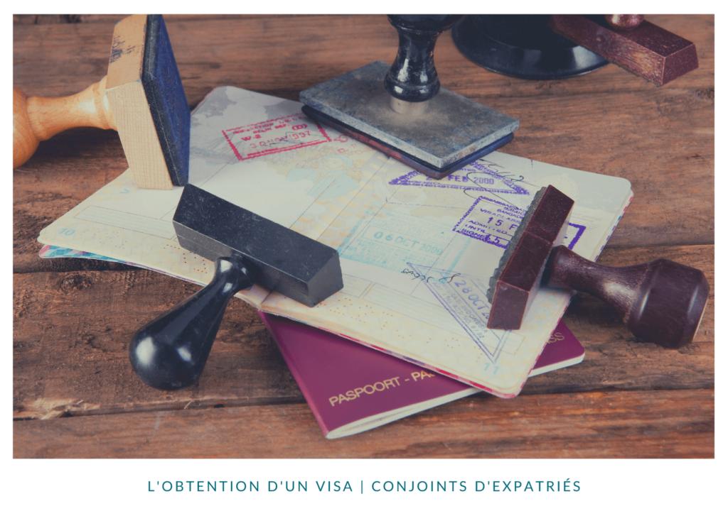Visa apposé sur un passeport
